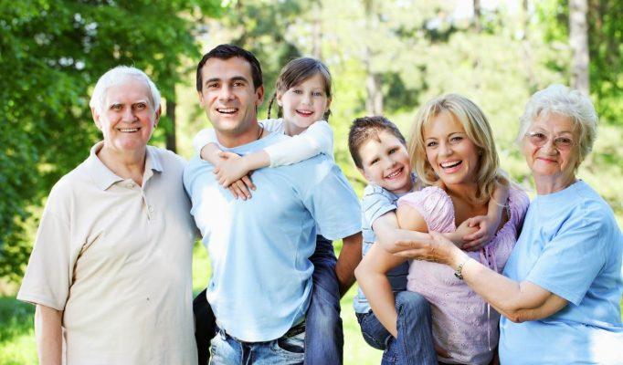 Bạn cần chọn mua bảo hiểm sức khỏe cho cả gia đình