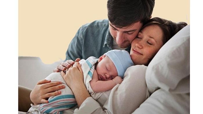 Mua bảo hiểm thai sản cho mẹ và bé tại Sài Gòn