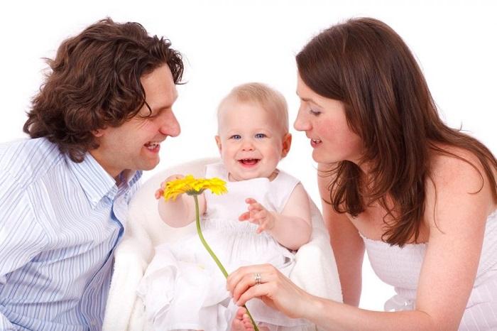 Nên mua bảo hiểm nhân thọ cho ai trong gia đình?