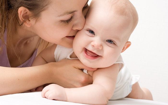 Bảo vệ thai sản cho mẹ và em bé thì Dai-ichi Life chắp cánh tương lai